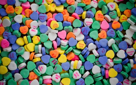 valentine-heart-candy-wallpaper-2